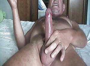 Amateur (Gay);Bears (Gay);Cum Tributes (Gay);Handjobs (Gay) bonne branlette