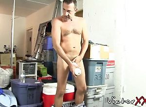 amateur,mature,solo,wanking Daddy in solo...