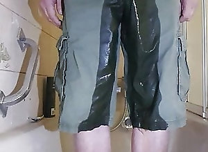 BDSM (Gay);HD Videos pee in shorts