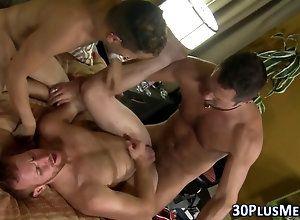 anal,fucking,hunk,latin,masturbation,threesome,twink,stud Stud fucked n cum...