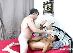 fucking,gay,handjob,masturbation Daddy and Asian...