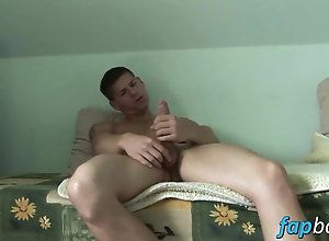 amateur,jerking off,solo,twink Hunky stud Win...