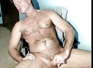 Daddy (Gay);Masturbation (Gay) post workout dad...