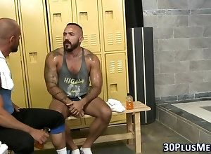 bear,hunk,shower,threesome Muscle bears...