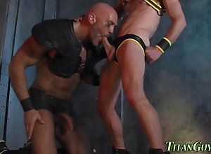anal,sucking,stud Built jock bear...