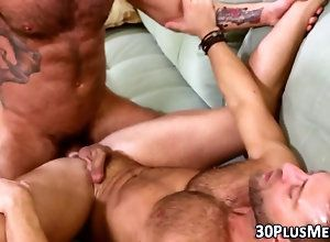 cumshot,fucking,bear,hairy,hunk,muscle Buff bears suck...