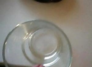 Man (Gay) Ins Glas Wichsen