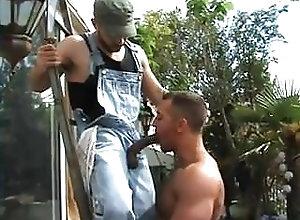 Big Cock (Gay);Blowjob (Gay);Interracial (Gay);Outdoor (Gay);Couple (Gay) Suck the Electrician