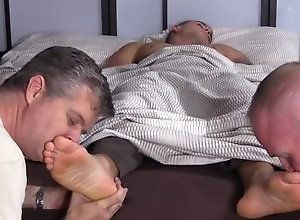 Gay,Gay Feet/Foot Fetish,Gay Threesome,worship,gay,threesome,men,feet/foot fetish,sleeping,gay porn Sexy Hunk KC Foot...