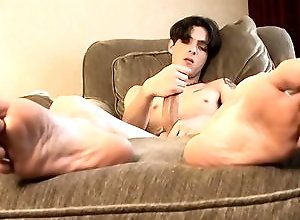 Gay,Gay Twink,Gay Masturbation Solo,Gay Feet/Foot Fetish,david reed,solo,masturbation,long hair,large dick,cum jerking off,american,gay,twink,feet/foot fetish Big-Dicked David...