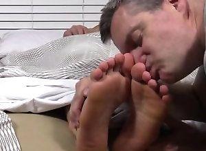 Gay,Gay Feet/Foot Fetish,Gay Muscled,worship,gay,muscled,feet/foot fetish,men,sleeping,gay porn,socks Viggo's Size...