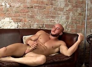 Gay,Gay Muscled,Gay Masturbation Solo,liam steed,solo,masturbation,shaved head,large dick,cum jerking off,british,gay,muscled,sofa,young men Hung Muscle Man...