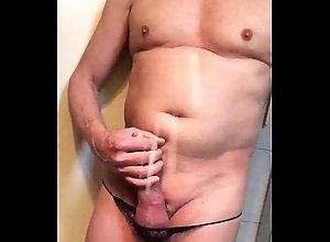 cum,cock,slut,bathroom,gay,trans,smooth,sissy,selfie,gay trim.BA3373CB-6F7...