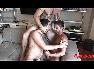 blowjob,threesome,gay,orgy,gay Tr&ecirc_s...