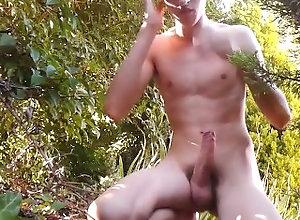 desgrieux;malemotion;cum;solo;wanker;jerkoff;muscle;garden,Solo Male;Gay;Amateur;Cumshot Belle Giclée...