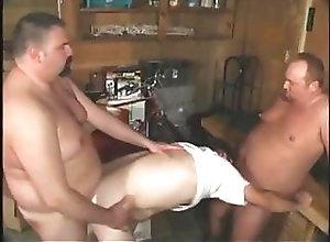Bear (Gay);Blowjob (Gay);Fat (Gay);Group Sex (Gay);Anal (Gay) piwi81