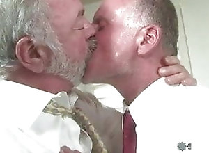 Bear (Gay);Big Cock (Gay);Blowjob (Gay);Daddy (Gay);Muscle (Gay);Gay Men (Gay);Homemade Gay (Gay);Amateur Gay (Gay);Mature Gay (Gay);Gay Guys (Gay);Gay Fuck Gay (Gay);Anal (Gay) Real Men 27 -...