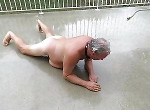 Amateur (Gay);Fat (Gay);Outdoor (Gay);Small Cock (Gay);French (Gay) la truie pisse...
