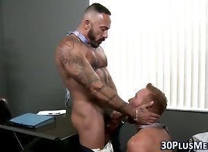 bear,muscle,office,tattoo Bear spunks in...
