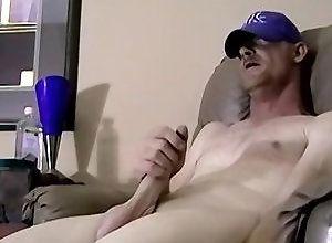 Gay,Gay Amateur,Gay Masturbation,Jay,amateur,masturbation,shaved head,average dick,cum jerking off,american,men,gay Jerkin Daddy Dick...
